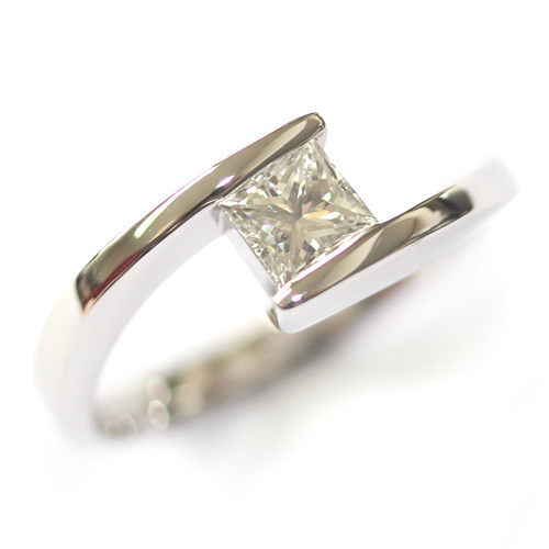 18ct White Gold Crossover Diamond Engagement Ring.jpg