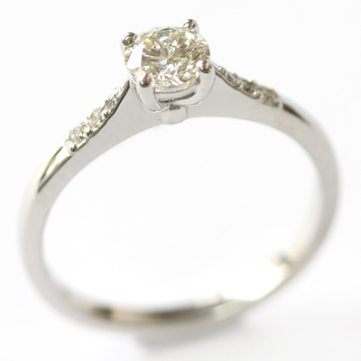 Platinum Engagement Ring with elegant Diamond Detail 4.jpg