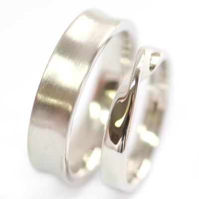 Platinum Satin Finish and Twist Wedding Ring Set 1.jpg