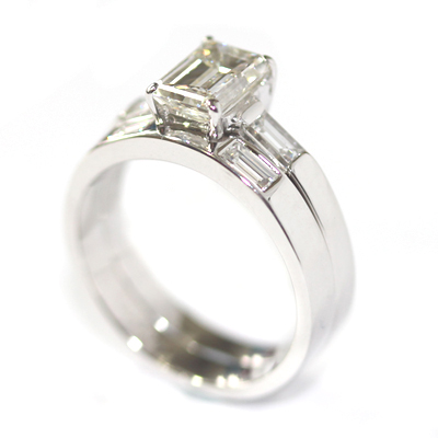 18ct White Gold Fitted Wedding Ring with Baguette Cut Diamonds 3.jpg