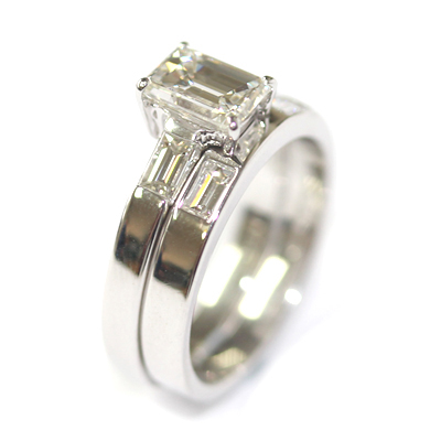 18ct White Gold Fitted Wedding Ring with Baguette Cut Diamonds 4.jpg