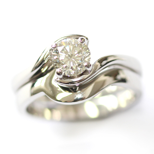 18ct White Gold Plain Fitted Wedding Ring to Twist Solitaire Engagement Ring.jpg
