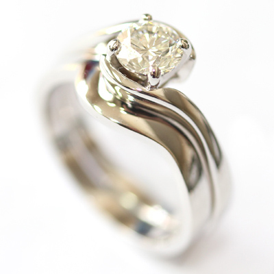 18ct White Gold Plain Fitted Wedding Ring to Twist Solitaire Engagement Ring 2.jpg