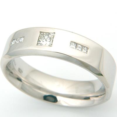 18ct White Gold Gents Princess Cut Diamond Wedding Ring 2.jpg