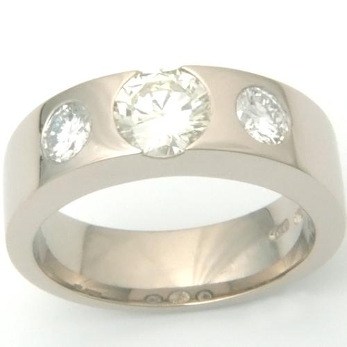 18ct White Gold Three Diamonds Engagement Ring.jpg