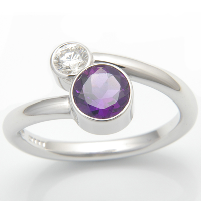 18ct White Gold Amethyst and Diamond Crossover Ring 4.jpg