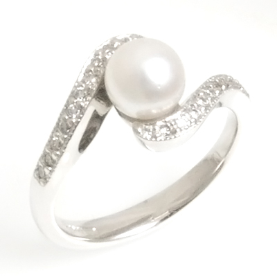 18ct White Gold Diamond and Pearl Engagement Ring 2.jpg