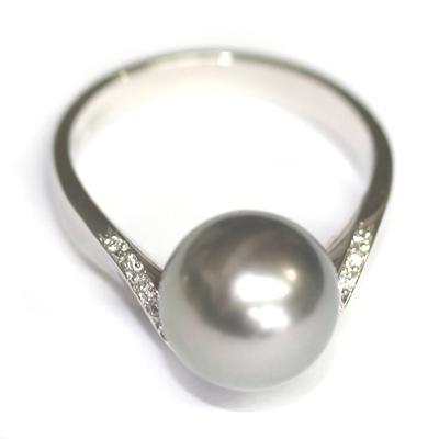 Platinum Black Pearl and Diamond Engagement Ring 5.jpg