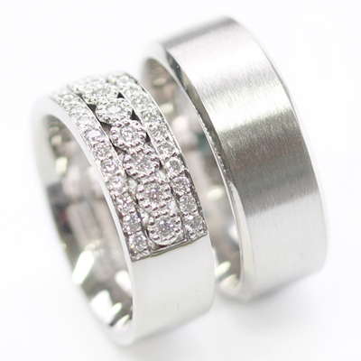 Platinum Complementing Wedding Ring Set 5.jpg