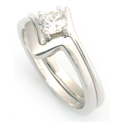18ct White Gold Fitted Wedding Ring 1.jpg
