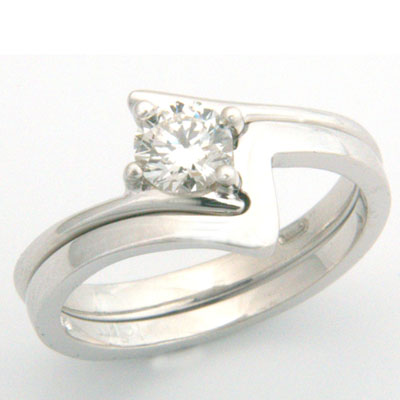 18ct White Gold Fitted Wedding Ring 3.jpg