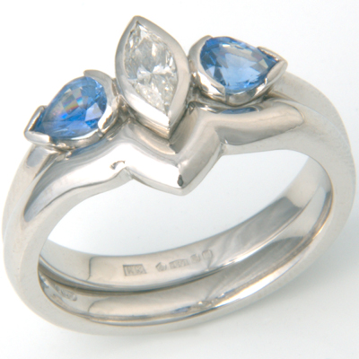Platinum Plain Fitted Wedding Ring 1.jpg