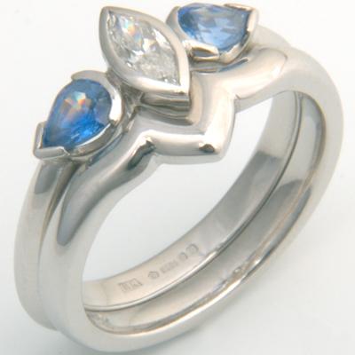 Platinum Plain Fitted Wedding Ring 2.jpg