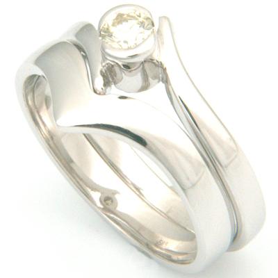 18ct White Gold Plain Fitted Wedding Ring 2.jpg