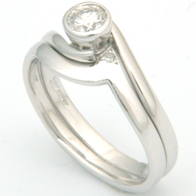 18ct White Gold Plain Fitted Wedding Ring 1.jpg