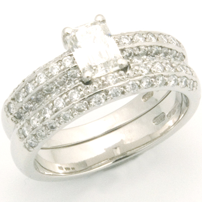 Platinum Diamond Pave Fitted Wedding Ring 5.jpg