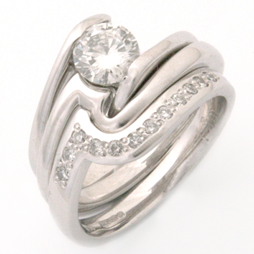 18ct White Gold Fitted Eternity Stacker Ring.jpg