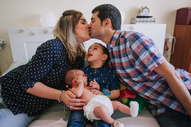 foto-sesion-familia-casa-newborn_007.jpg