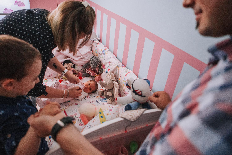 foto-sesion-familia-casa-newborn_011.jpg