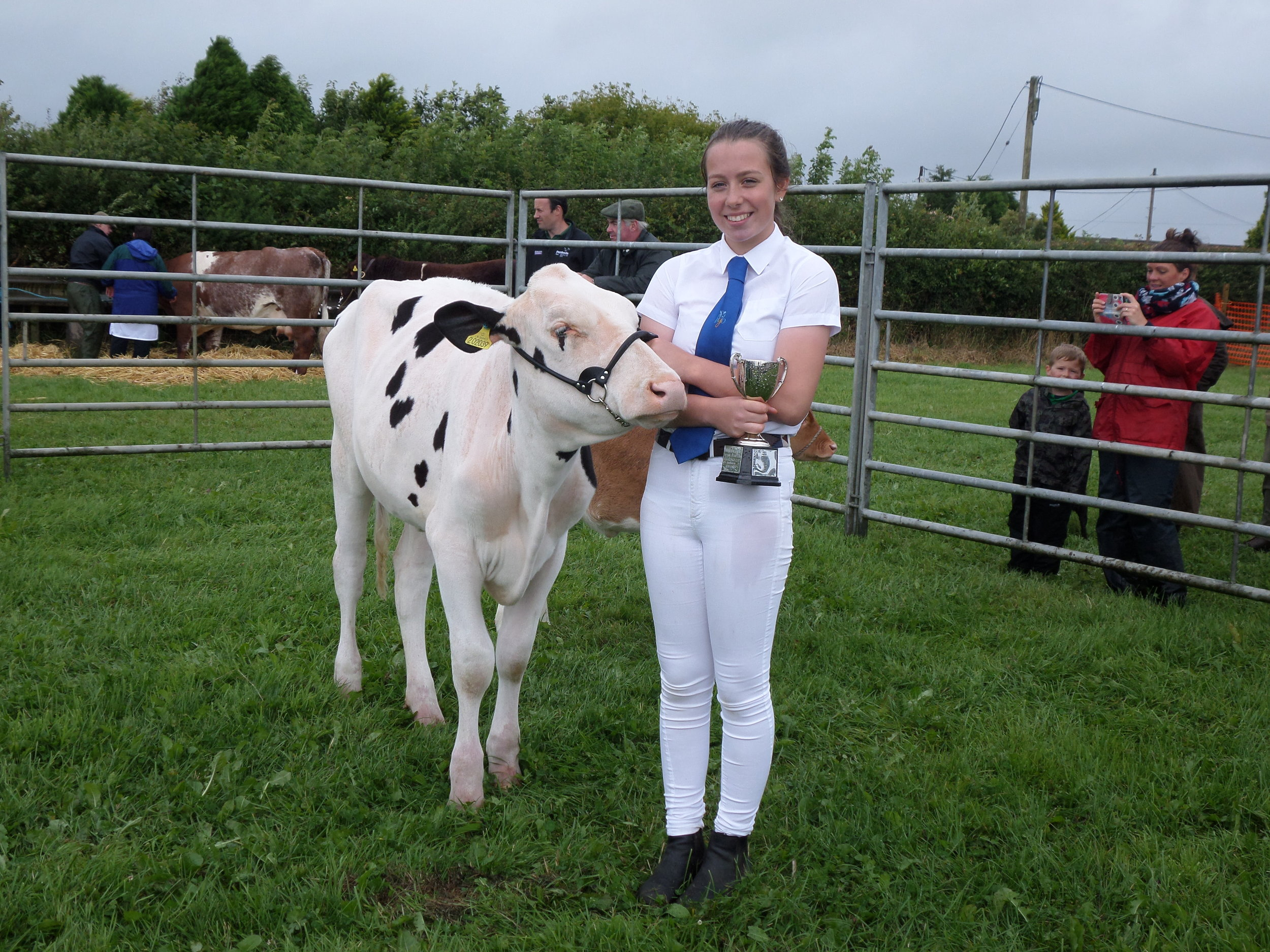 Abi Marshall Winner of cup for Cattle Young Handlers