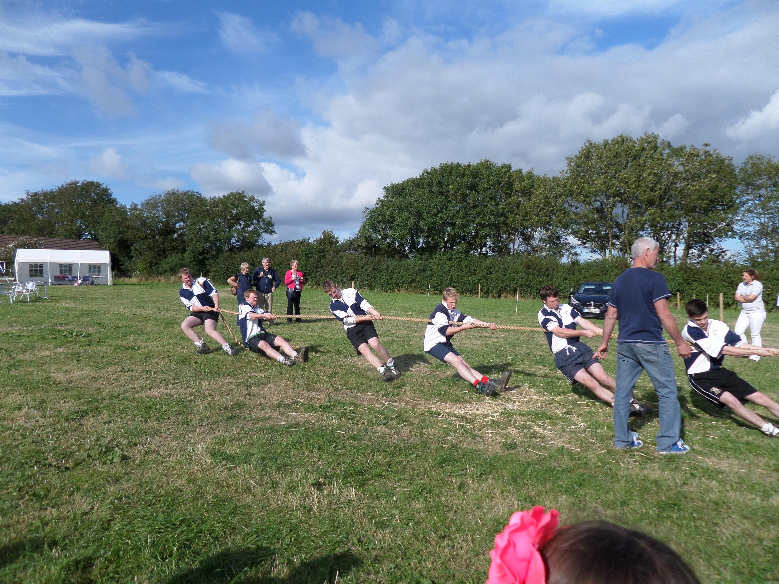 Winning-Tug-O-War-team, Launceston YFC