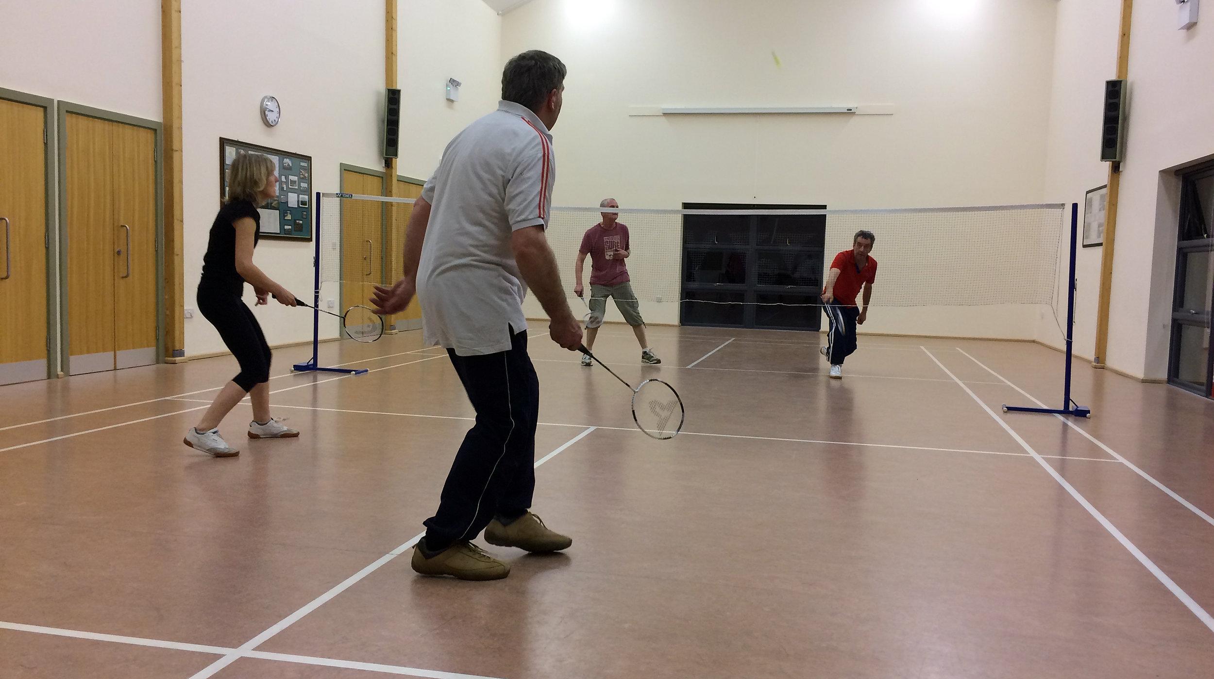 01_badminton.jpg