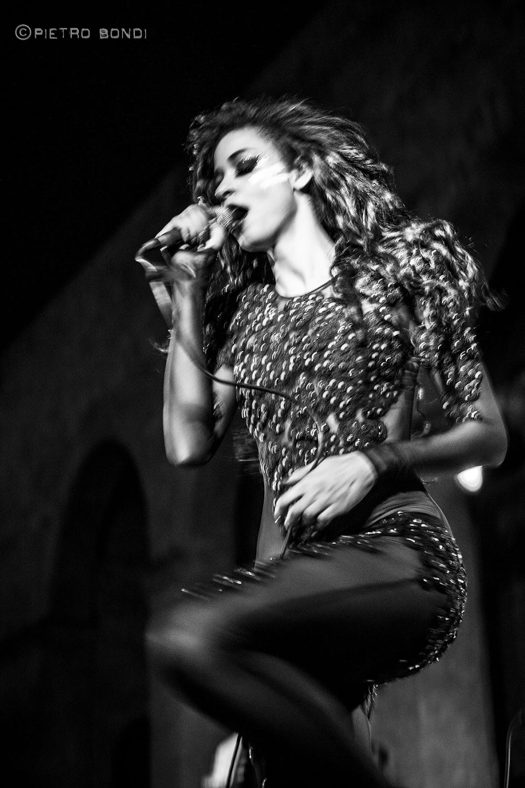 simonne-jones-live@rocca-malatestiana-cesena_3.jpg