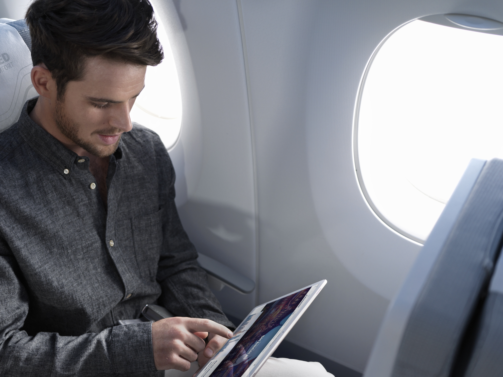 Finnair_A350_economy_class_tablet_cropped.jpg