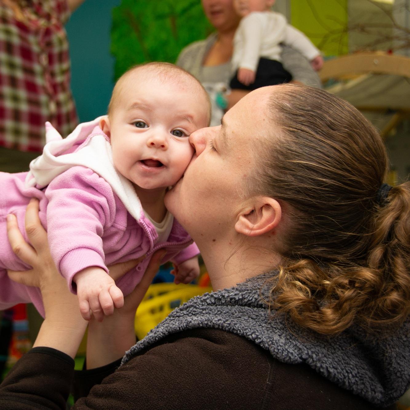 ….In need of support for your new born, baby or toddler?..Besoin de conseils pour votre nouveau-né, votre bébé ou votre tout-petit?…. -