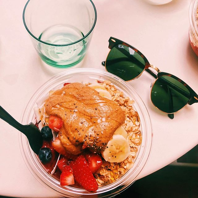 When I ask for nut butter with my acai bowl, I want it like this 🙌💯 . I used to get nervous if a food I bought seemed like it had more calories than I was comfortable with but then I learned that our bodies know what we need more than a mathematician does💁‍♀️ . I love acai bowls, so my sole desire was to enjoy this and savor it which I did!  My body wanted every last drop so I gave it just that!  My family each got our own bowls and had a great conversation that I was focused on, NOT the calories or food intake (other than the every so often enjoyment thought). Do you feel like this is something you desire but don't have right now? Being able to enjoy food without fear or guilt? If that isn't what you experience, I sooo encourage you to seek out a non-diet Dietian who can help heal your relationship with food and thus your whole life and your body!  Life is meant to be enjoyed, not about fretting over calories or diets. 💃 who's with me??😘