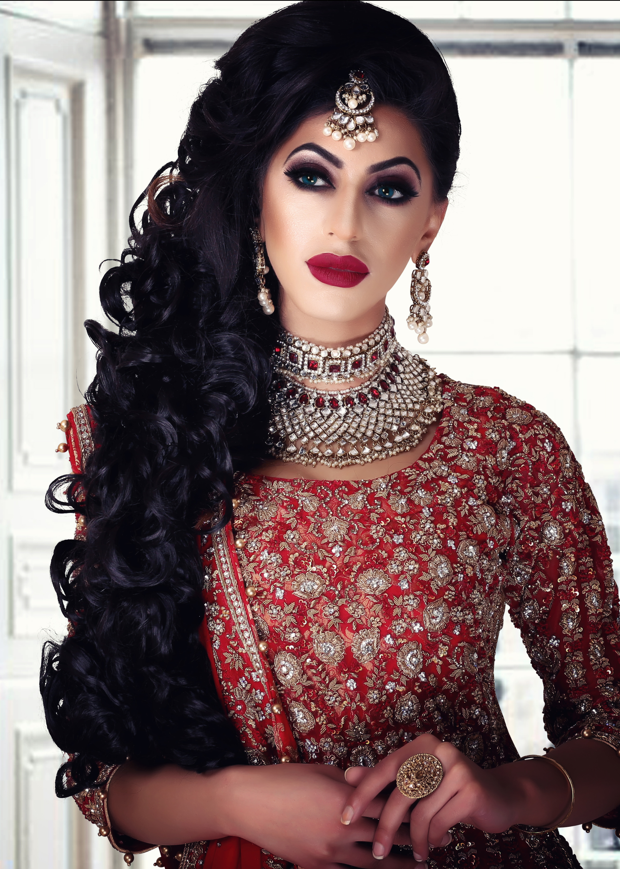 5 DAY - INTENSIVE BRIDAL MAKEUP & HAIR: - Summary:- 10 Makeup Looks- Day/Natural- Evening/Party- Registry/Walima- Classic Bridal- 3 Smokey Eye- Heavy Bridal- Media/ Photographic-10 Hairstyles- Traditional & Modern- Party, Registry, BridalFEES: £1100