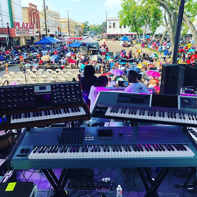 Great gig the other week for two legends! SOS Band and The Original Lakeside in Wharton Tx!  #moogvoyager #fantomg7 #motifxs6 #tamadrumsofficial #festivalseason2019 #backlinerental #keystation #fantasticvoyage #musicproduction #hotaf🔥#zildjiankcustom