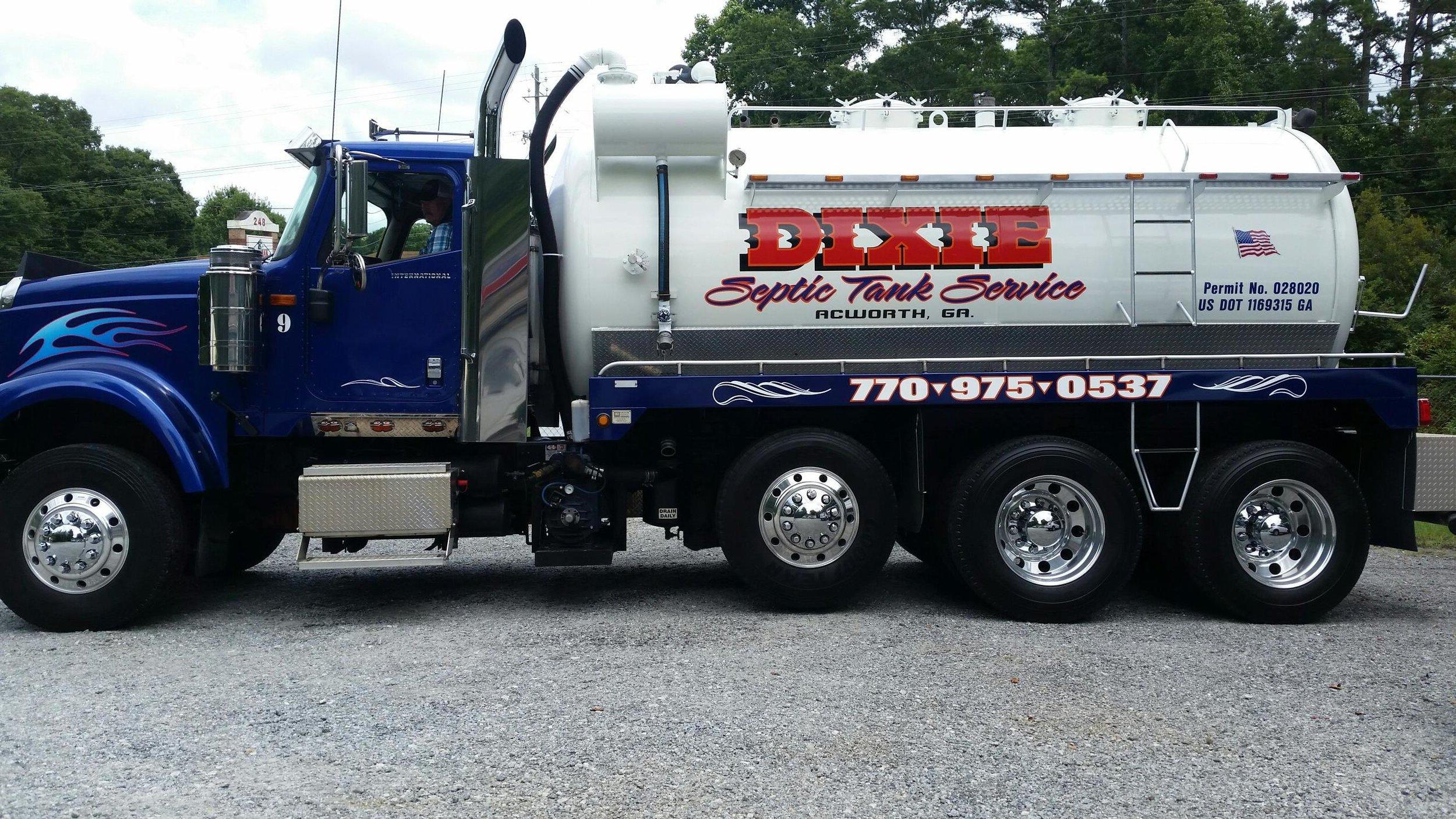 septic truck.jpg