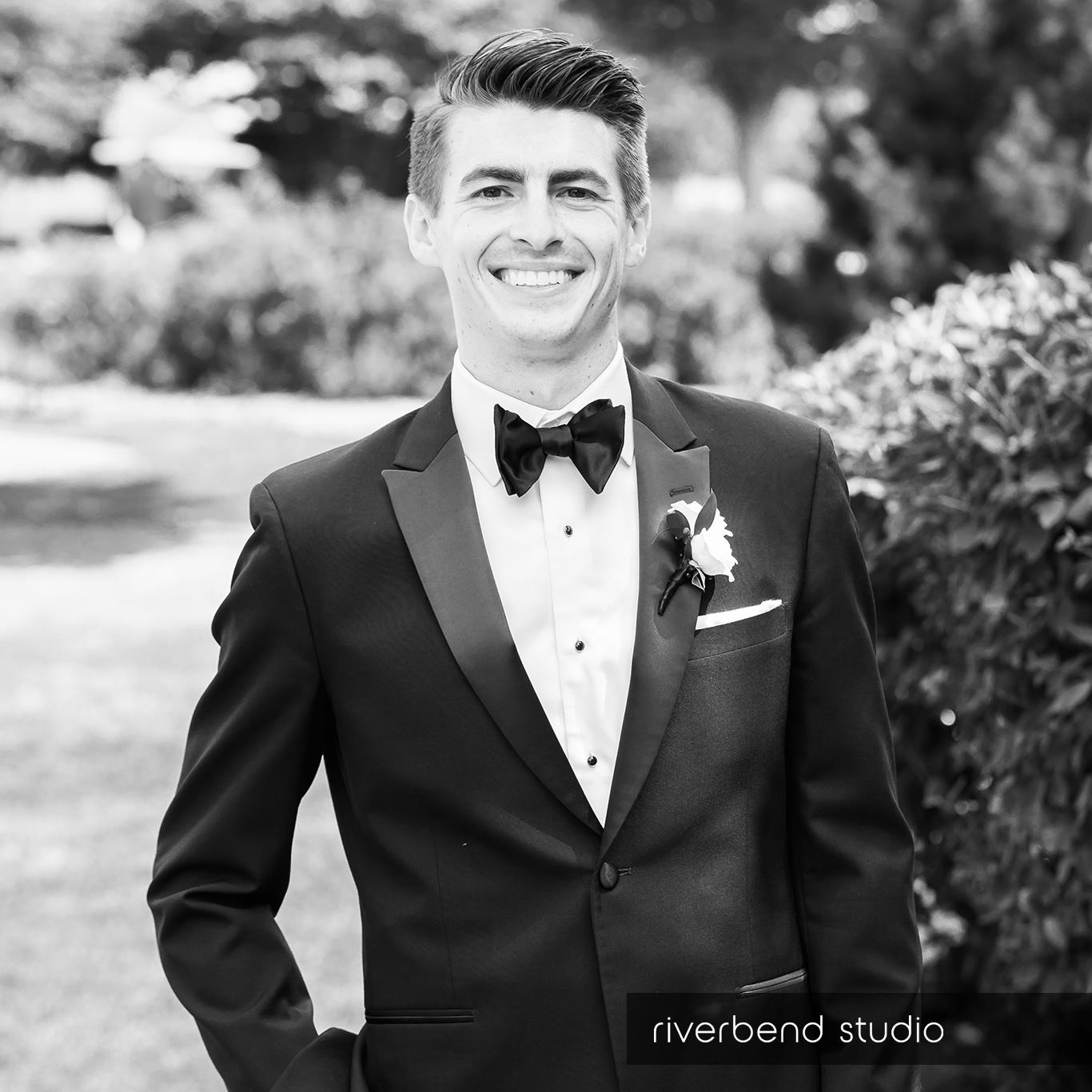 groom portraits-1.jpg