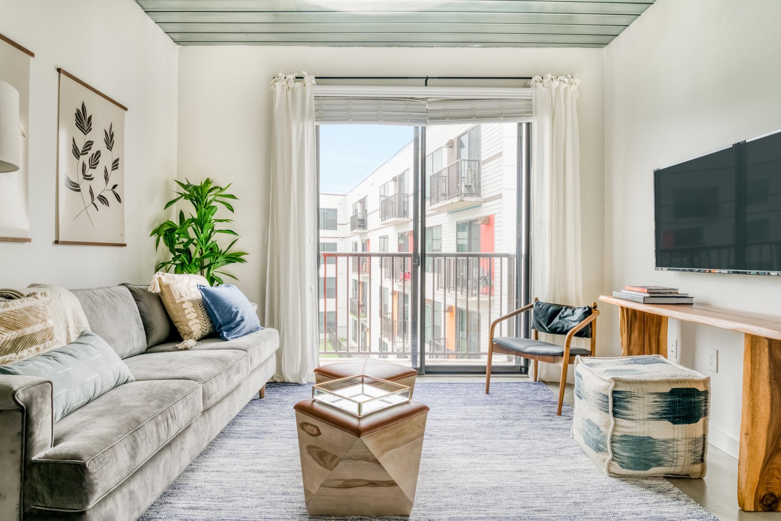 lodgeur-modern-stylish-midtown-loft.jpg