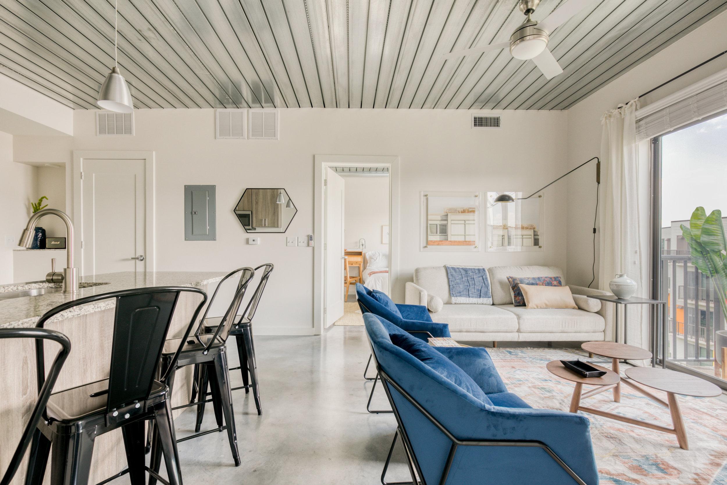 lodgeur-hip-modern-stylish-midtown-loft.jpg