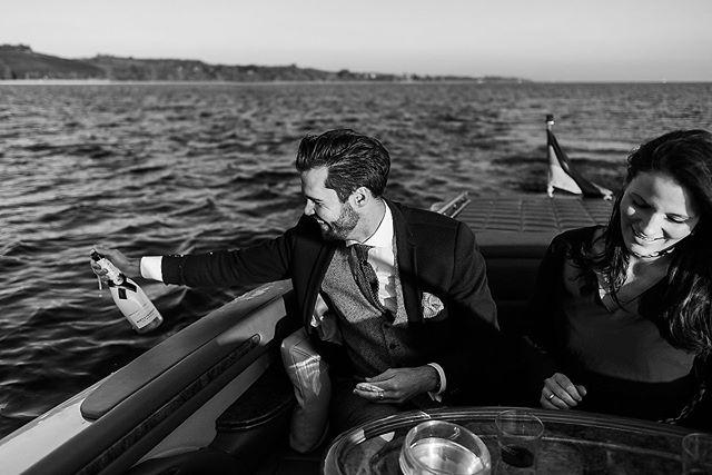 Den Sommer genießen so lange es noch geht ☀️ Am liebsten auf dem See mit Leckereien von @brasseriecolette aus #konstanz 🥂. . . . #bootshooting #bodensee #lakeofconstance #elmarfeuerbacher #shooting #colettetimraue #fotoshooting #elmarfeuerbacherphotography #denseegenießen #motorboot #classicboatshootings #classicboats #timefortwo #paarshooting #exklusiv #unbezahltewerbung