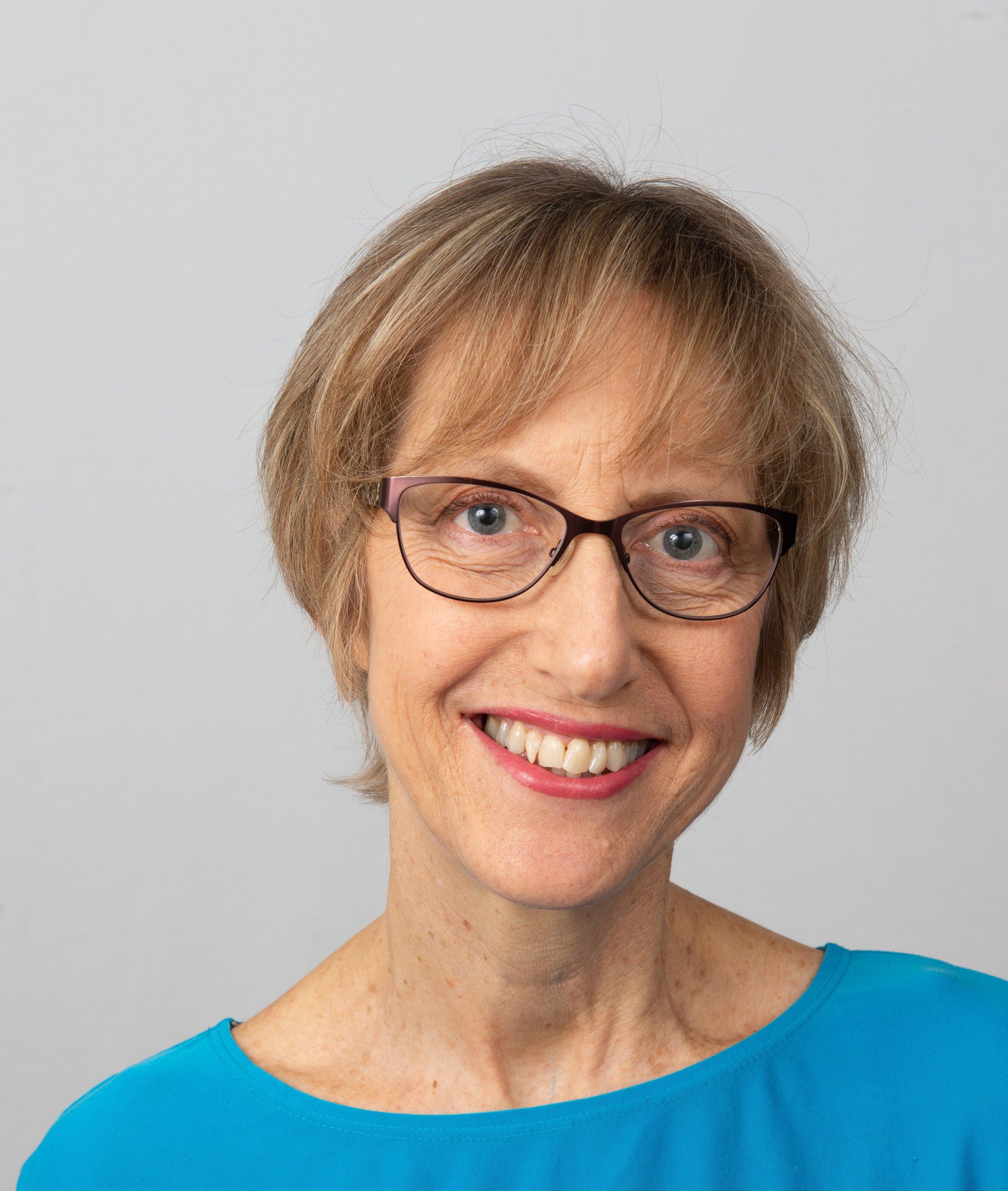 Dorothy Henning portrait photo.jpg