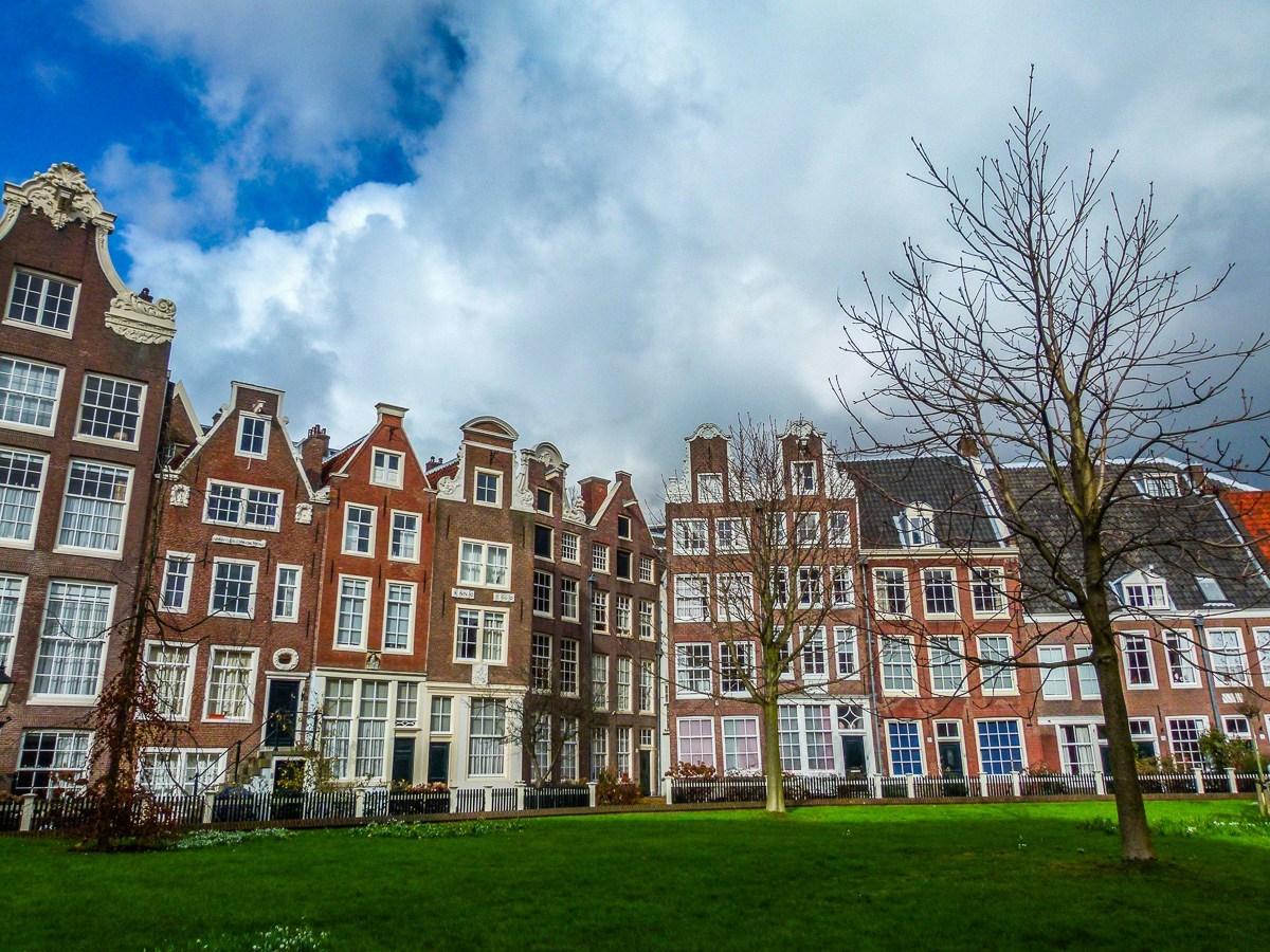 Begijnhof-Amsterdam-1-Feature.jpg