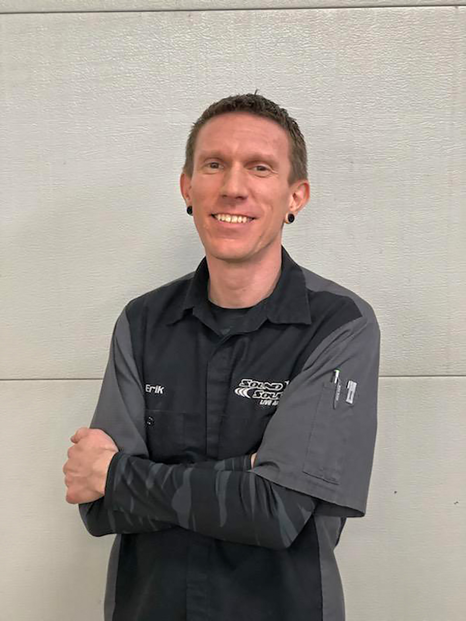Erik Summers - Erik has been in the Car and Home Audio industry for over 20 years! When it comes to custom car audio builds or home audio expertise, Erik is our go to guy!
