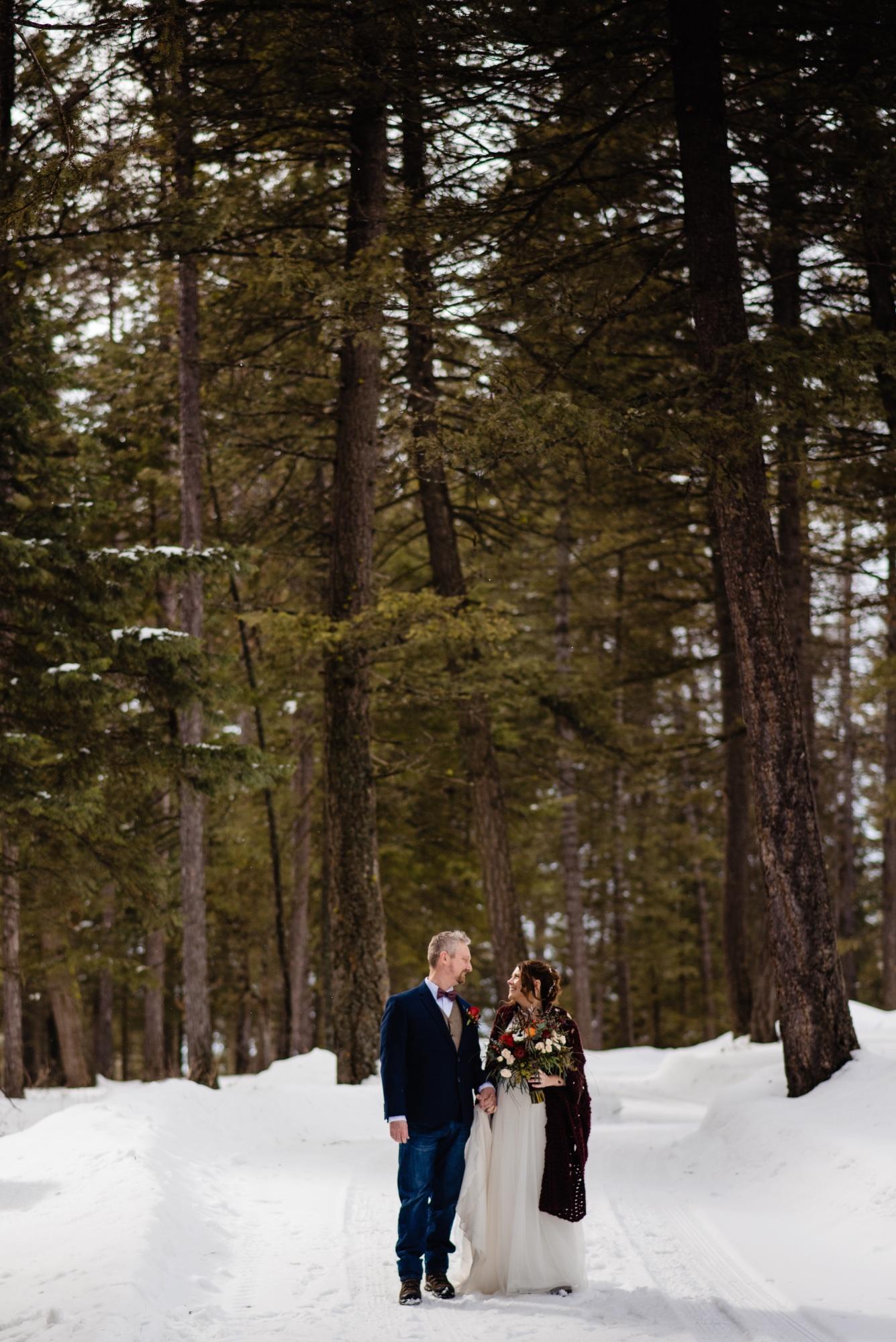 lindseyjanephotography_elopement024.jpg