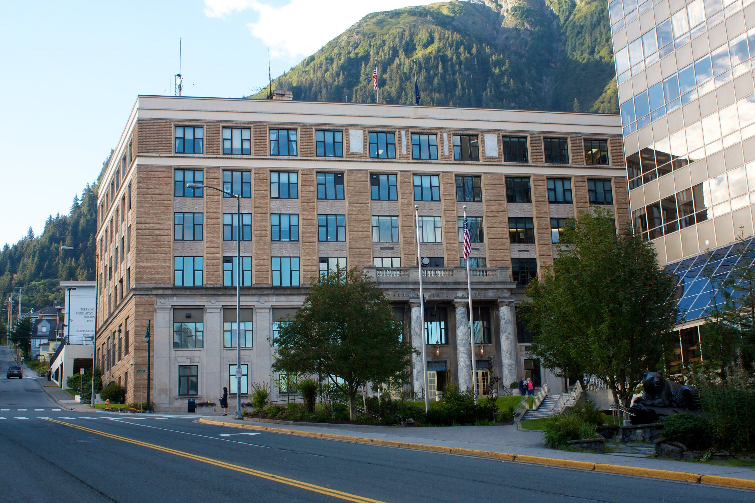 Alaska_State_Capitol_Building.jpg