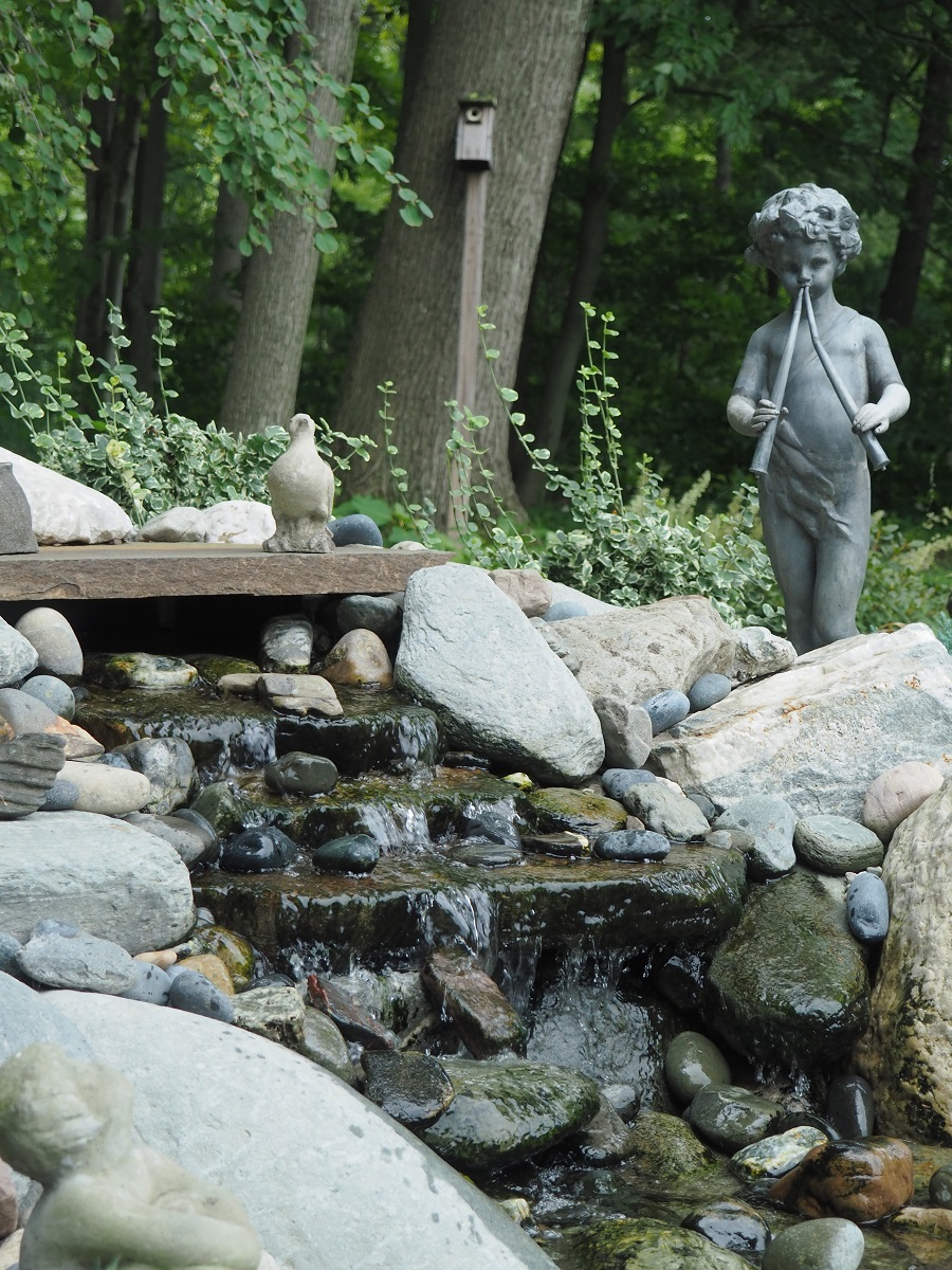Landscaping company in Vermont with stunning water features