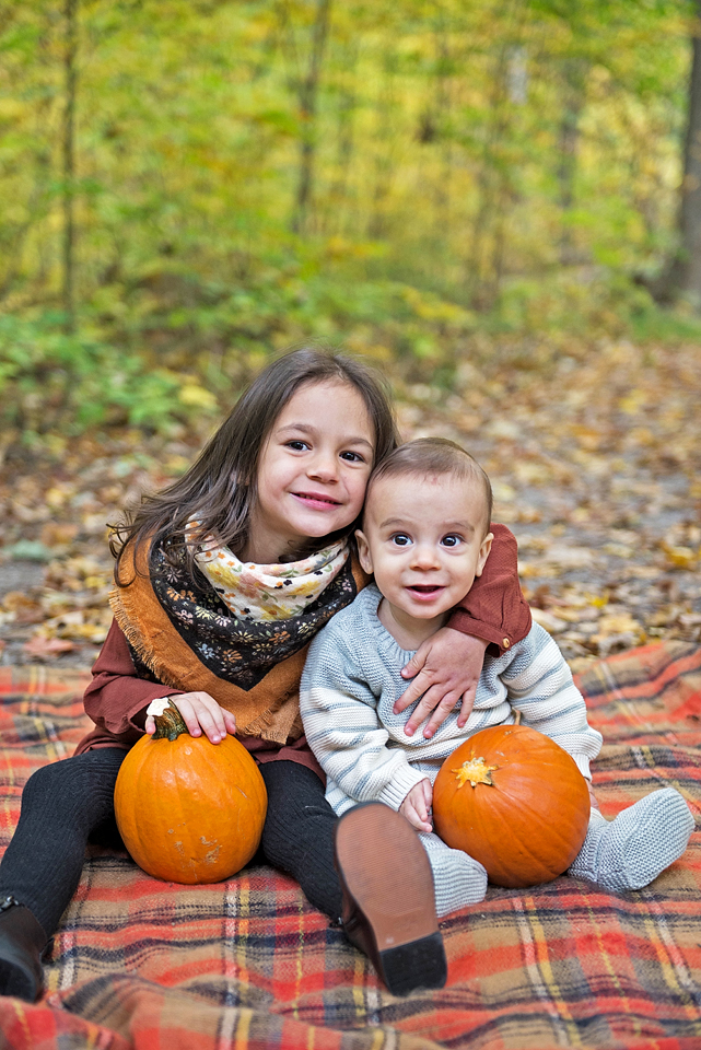 Aurora Ontario family photography YouByMia Photography