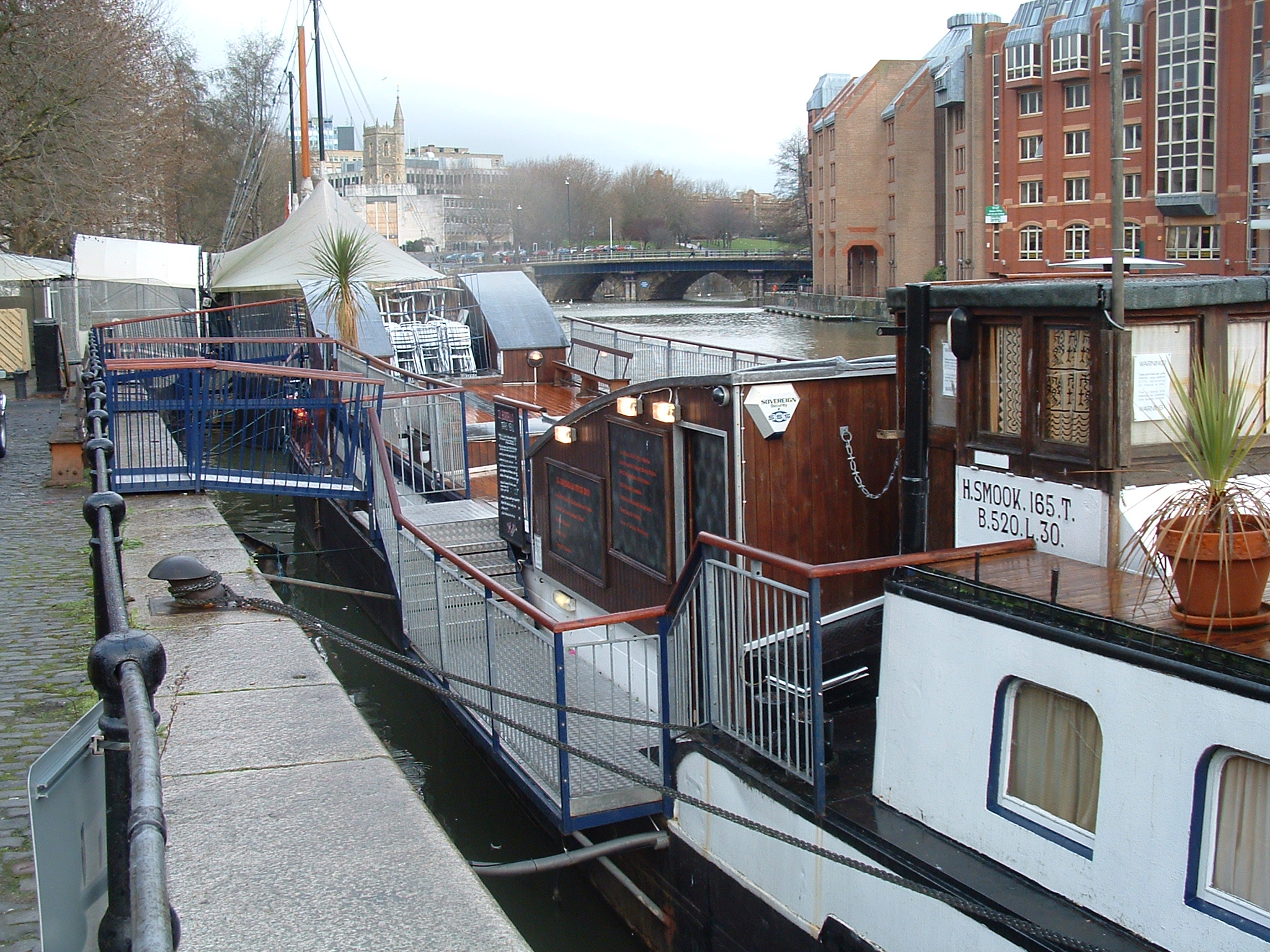 IL BORDELLO was the notorious barge members only venue in Bristol which provided the VIP hospitality and catering for renown Bristol music & media events.