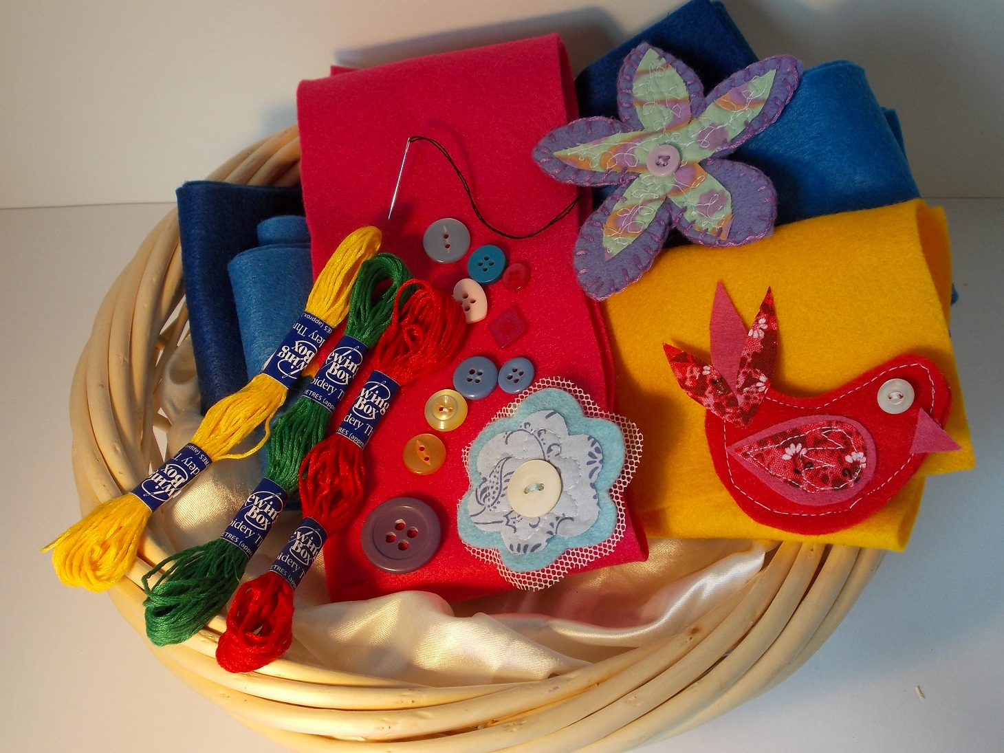 craft class  Up-cycled Uplifters, Felt Brooches or Mosaic Madness and more by Rachel Shilston - Inspiring Creativity