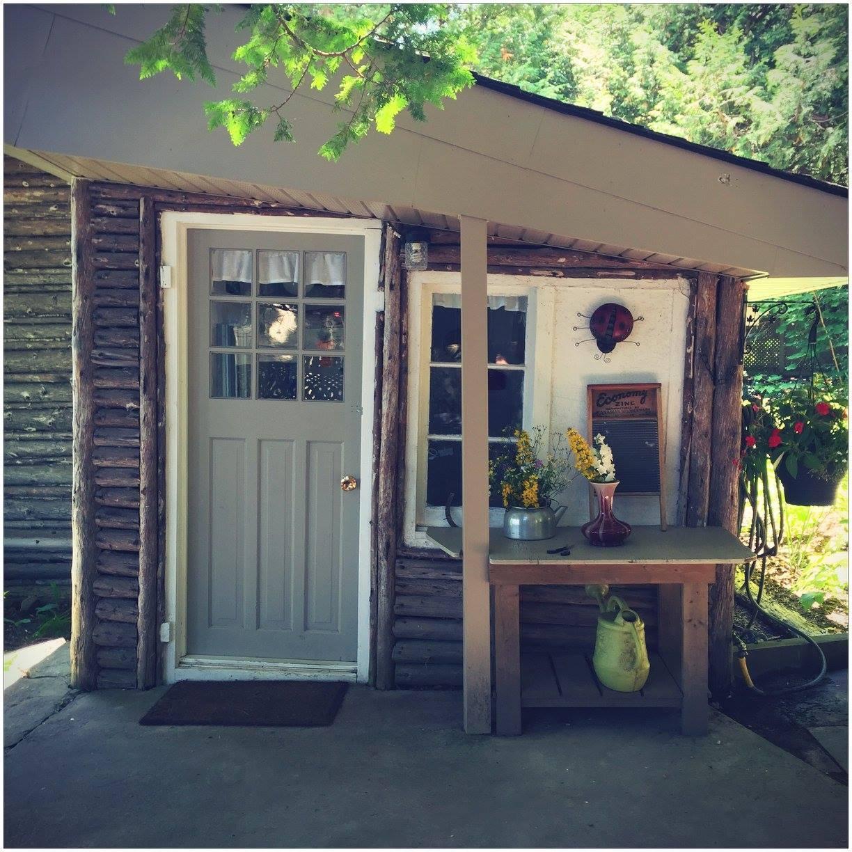 Cottage-B-front-door.jpg