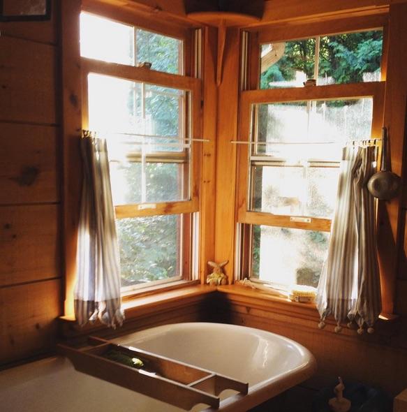 The Nook Bathtub.jpg
