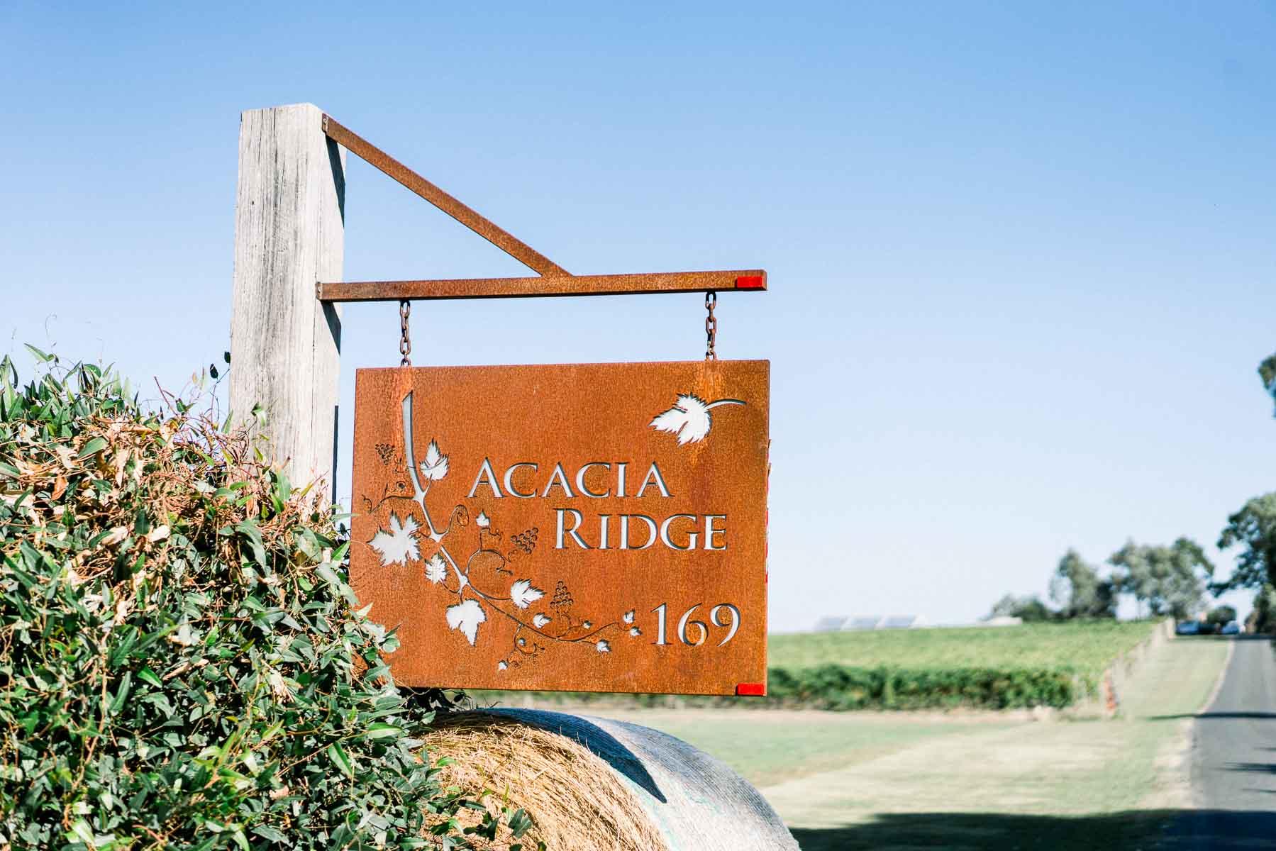rustic-yarra-valley-wedding-venue-acacia-ridge-georgia-james-07940.jpg