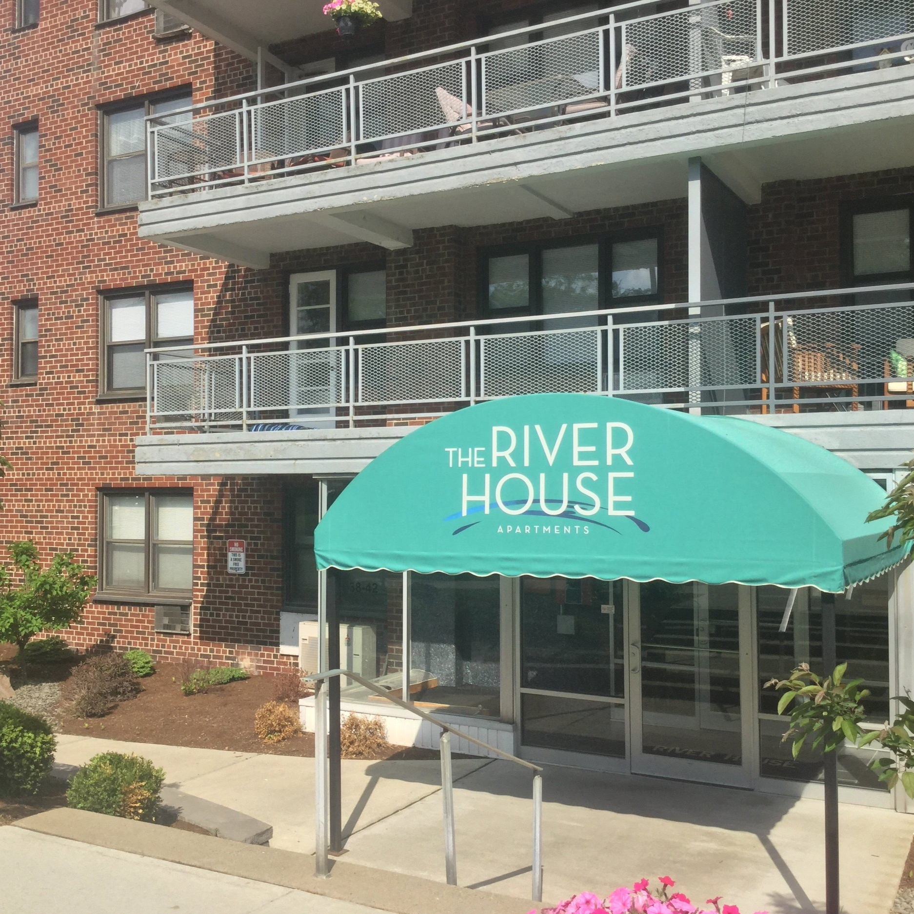 River House Office - 38 Front St.Binghamton, NY 13905Phone: 607.772.0456Fax: 607.773.7759Email: rhb@travishyde.com